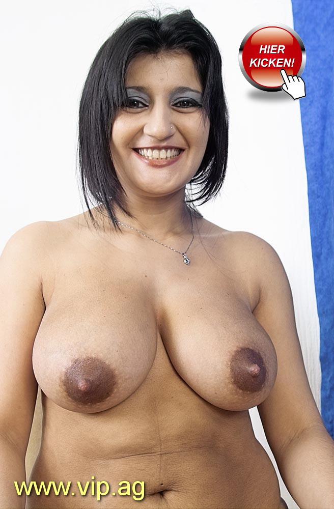 riesen Brüste Lucia