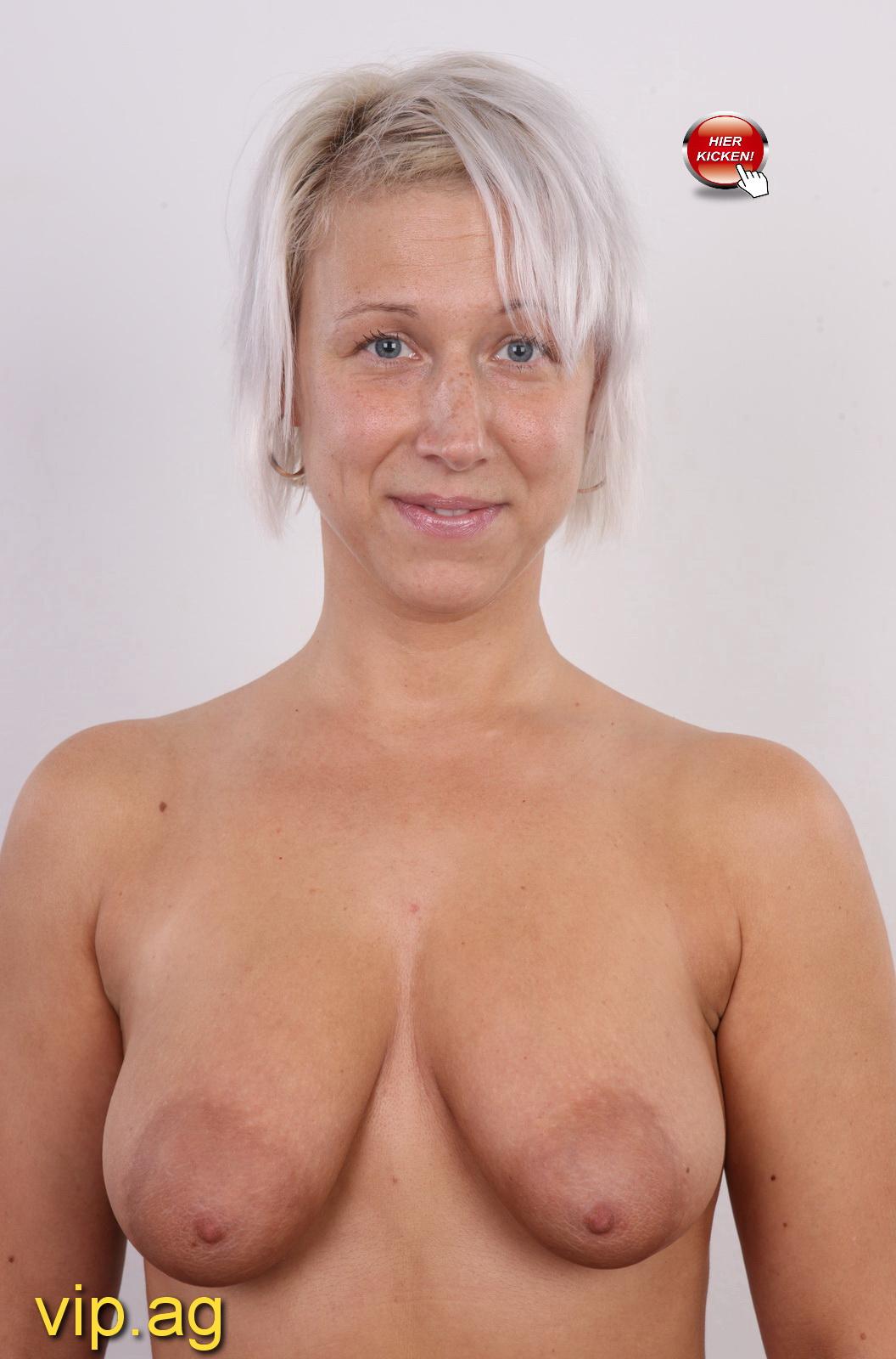 riesige Brüste Sarah
