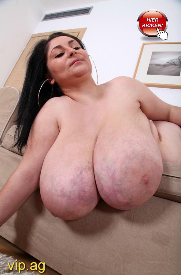 gewaltige Brüste Selma