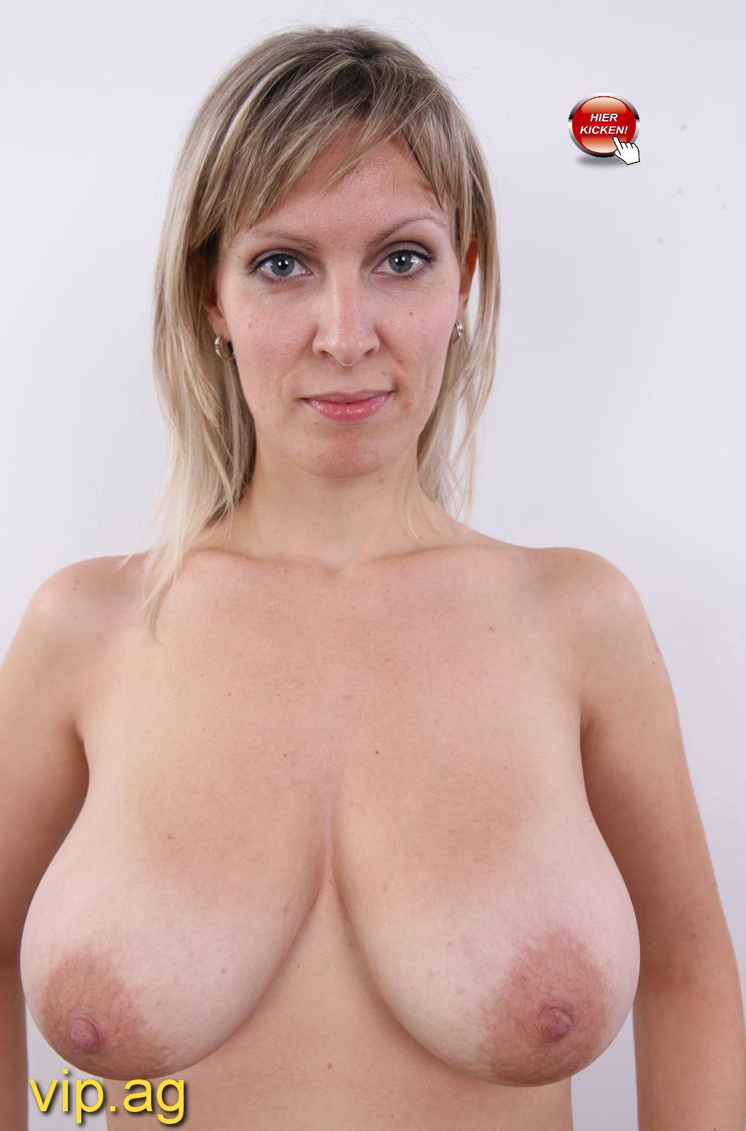 riesige Brüste Fabienne