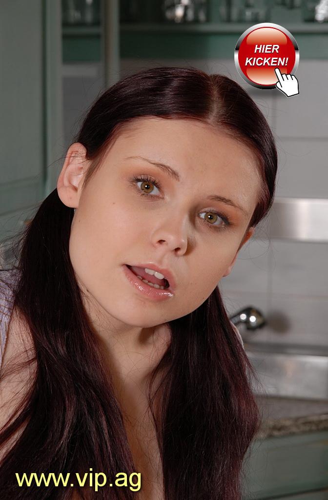 schwere Brüste Laura
